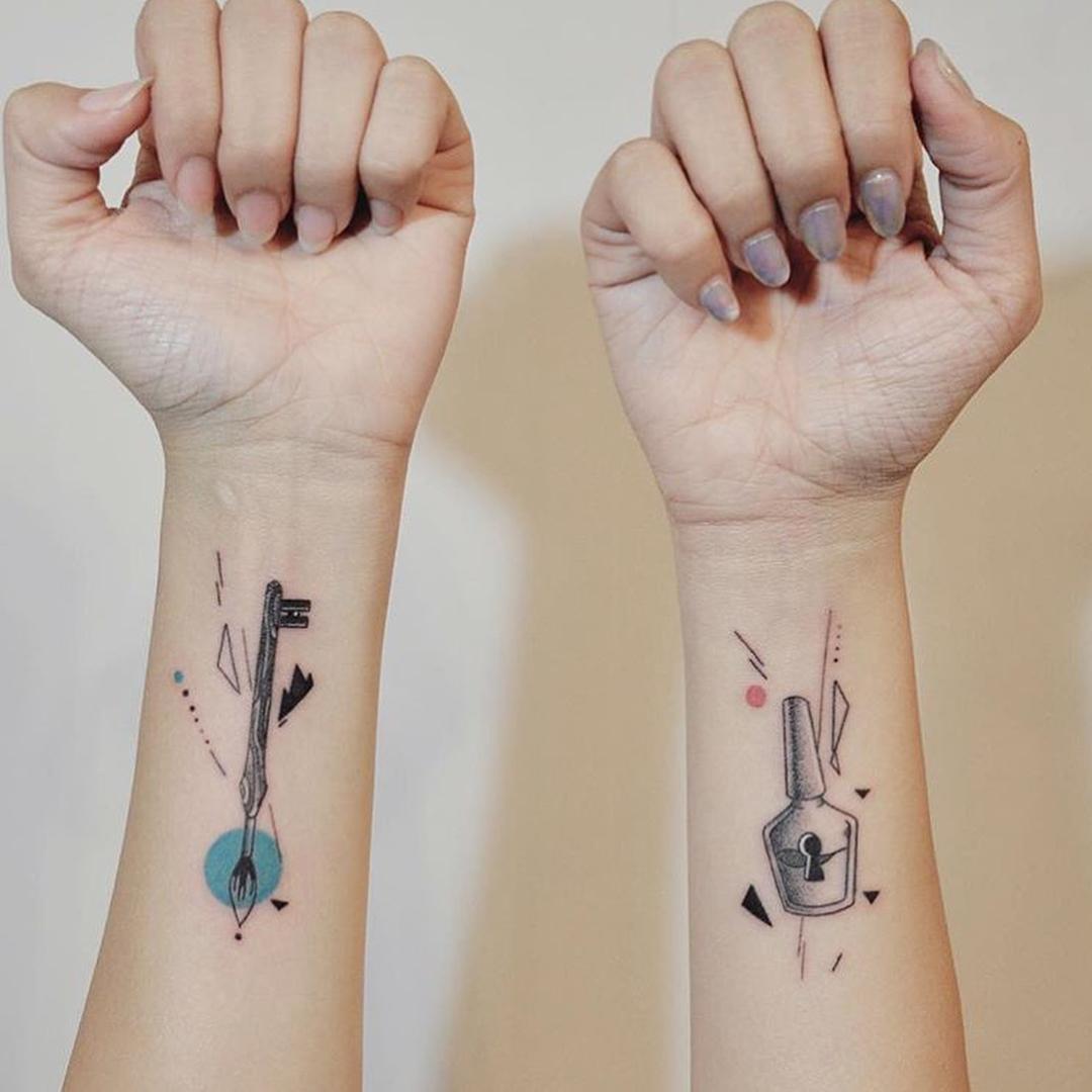 小臂小清新钥匙纹身图案